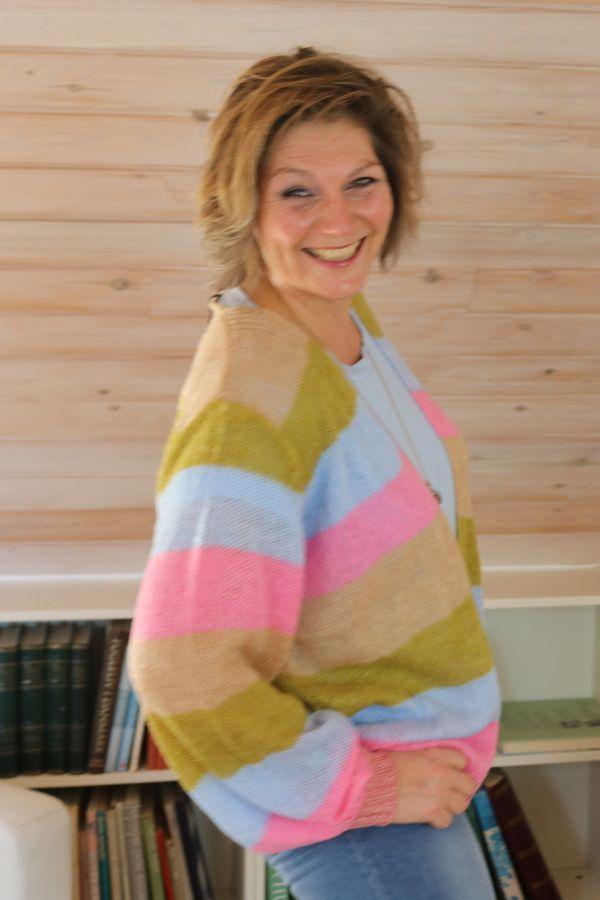 Geal Stribet cardigan, Lys blå / Oliven/pink /Beige.
