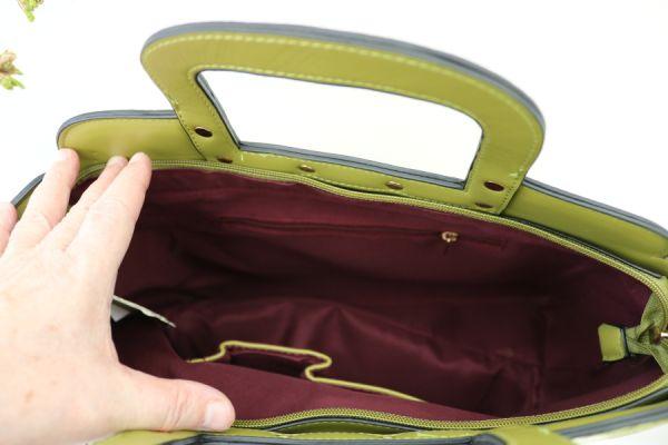 To i en taske, Petrol Gretha
